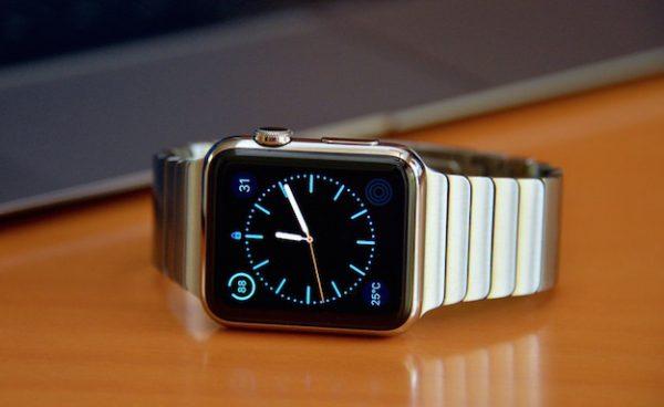 Apple разрабатывает дисплеи для Apple Watch и AR-очков