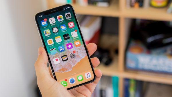 Apple может изменить названия моделей iPhone в 2018 году