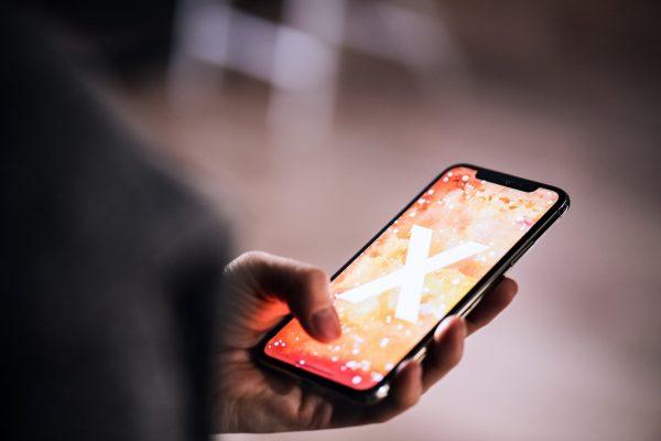 Apple разрабатывает необычные дисплеи для будущих iPhone