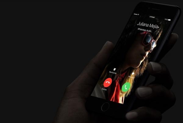 Apple знает о проблемах с микрофоном в iPhone 7 и готова заменить дефектные смартфоны