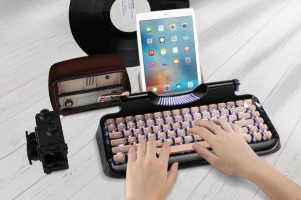 Как превратить іPad в винтажную печатную машинку для хипстеров