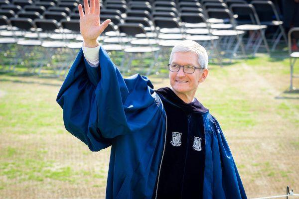 Тим Кук выступил перед выпускниками университета Дьюка