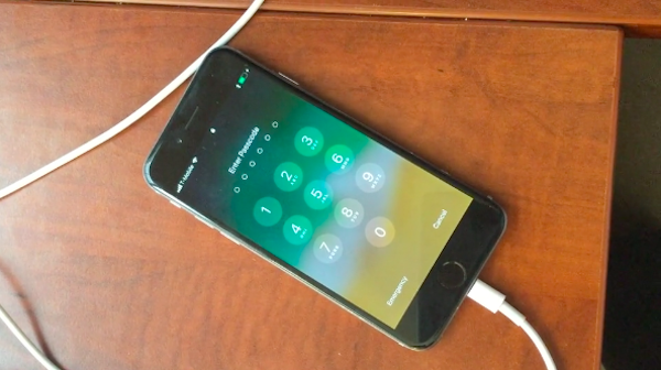 Apple опровергла возможность взломать iOS