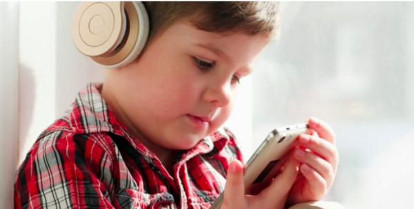 Исследование: портативные плееры вызывают потерю слуха у детей