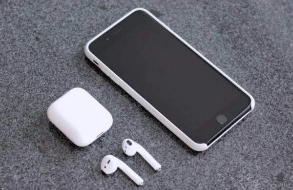Новый чехол от AirPods поможет зарядить iPhone