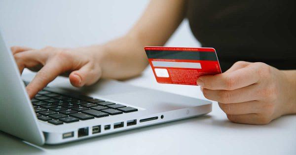 Поддержка банковских карт скоро появится во всех интернет-магазинах России