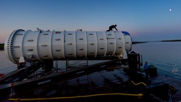Microsoft создала дата-центр на дне океана