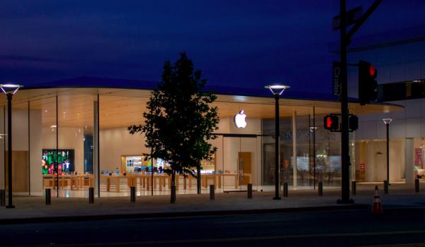Apple открыла новый Apple Store в Калифорнии