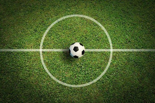 Три трогательных ролика про футбол от Apple