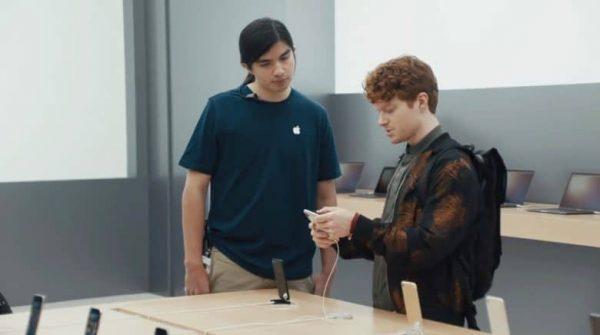 Сериал Samsung про iPhone X продолжается. Вышли сразу три новые серии — видео