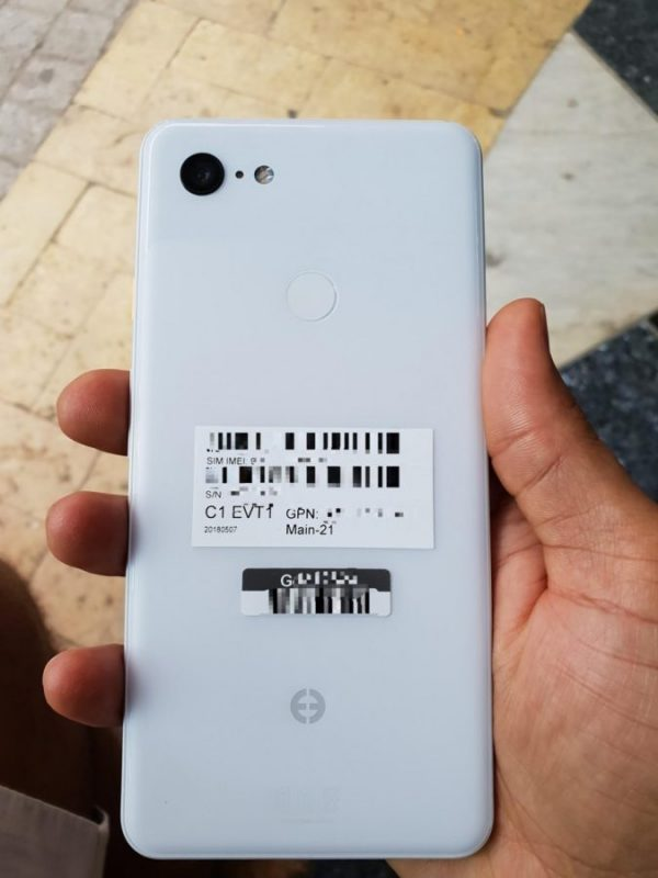 В сеть попали новые фото Google Pixel 3 XL