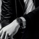 Armani продолжает конкурировать с Apple на рынке умных часов