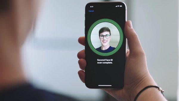 Поставки смартфонов со сканерами лица превысят 100 миллионов штук в 2018 году