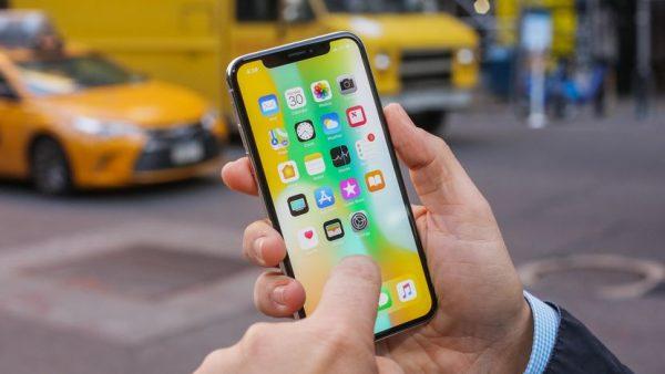 Клиенты Apple готовы заплатить 1000 долларов за новый iPhone