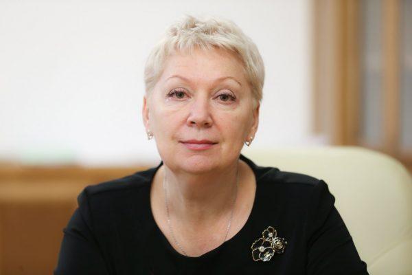 Министр просвещения России поддержала запрет смартфонов в школах
