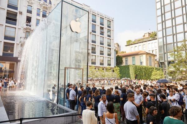 Реклама Samsung не сработала. Apple вновь показала рекордный финансовый квартал