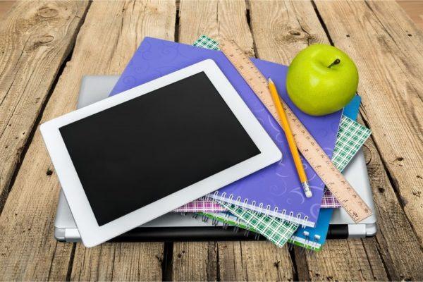 Снова в школу: какие аксессуары пригодятся владельцам iOS-гаджетов для учебы. Часть 2