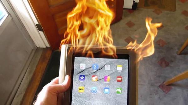 Посетителей Apple Store эвакуировали после взрыва iPad