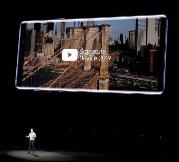 YouTube не рекомендует iPhone X для просмотра видео-роликов