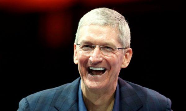 Тим Кук — самый высокооплачиваемый гендиректор, не считая Марка Цукерберга