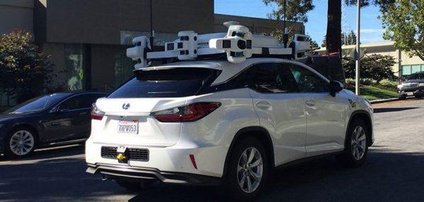 Беспилотный автомобиль Apple попал в аварию