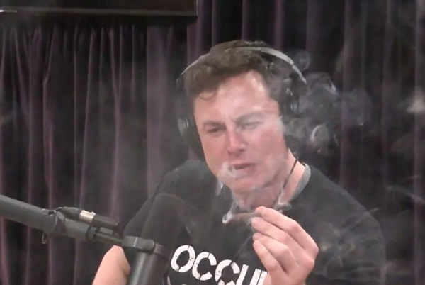 Илон Маск заявил о разработке электросамолёта