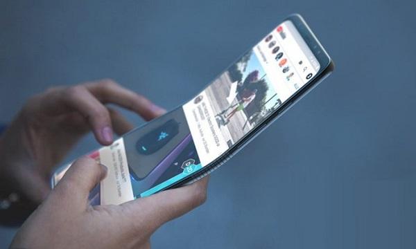 Samsung анонсирует складной смартфон в ноябре