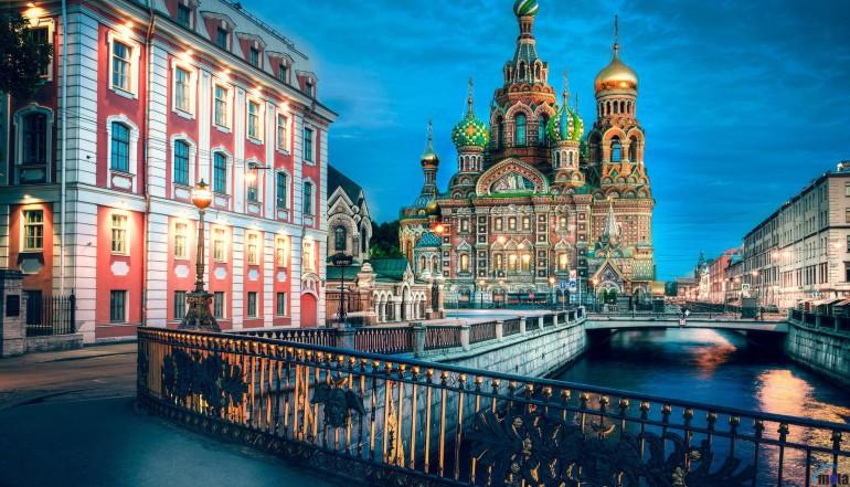 Туризм в Санкт-Петербурге с профессиональными гидами по доступным ценам